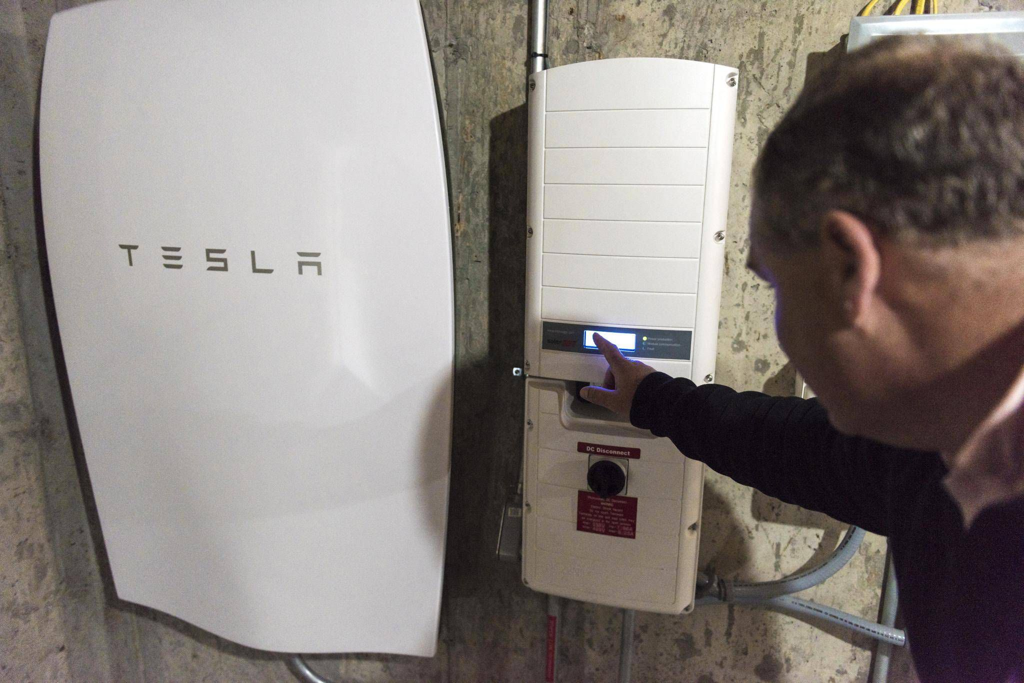 Tesla Powerwall Price >> Tesla Powerwall Set To Electrify Canadian Homes But At A