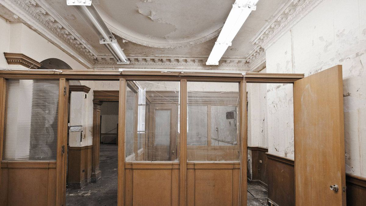 Plaster ceiling above offices on first floor. Says architecture history professor Shannon Kyles: 'You will never find craftsmanship like this again.'
