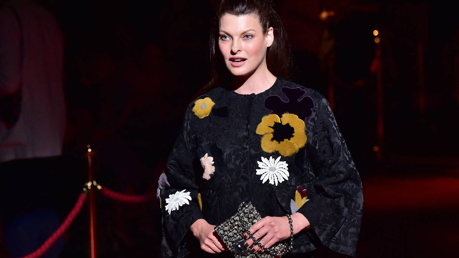 Video:Ex-supermodel Linda Evangelista files $50-million lawsuit over cosmetic procedures - The Globe and Mail