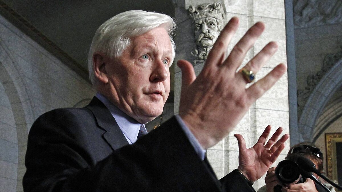 Interim Liberal Leader Bob Rae speaks to reporters in the foyer of the House of Commons on June 13, 2012.