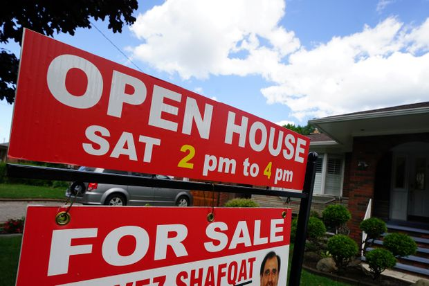 Cooling of Canada's real-estate market expected to continue: poll