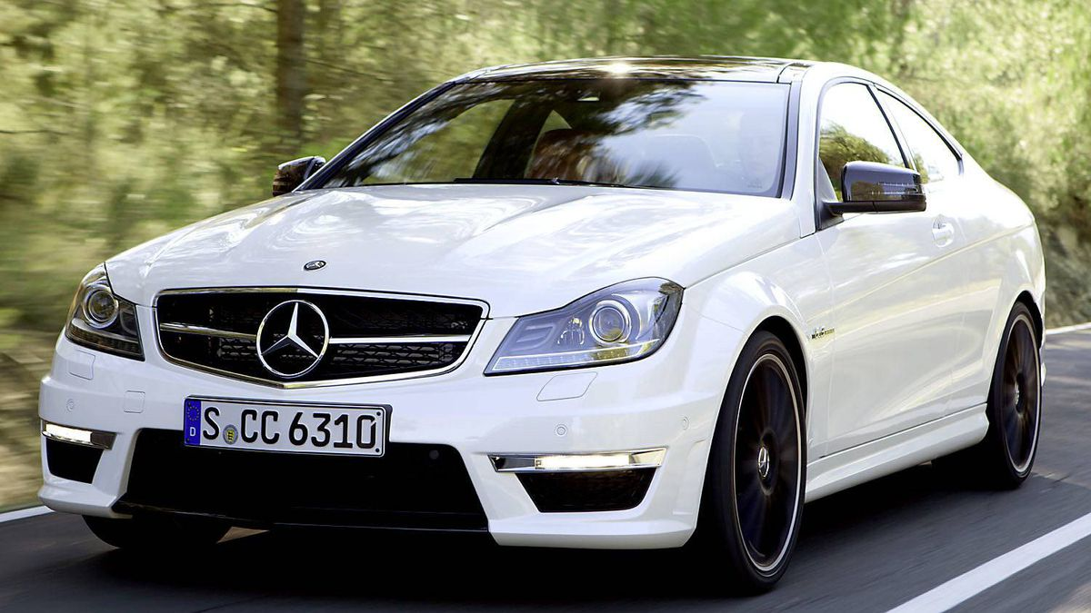 2011 Mercedes-Benz C 63 AMG coupe