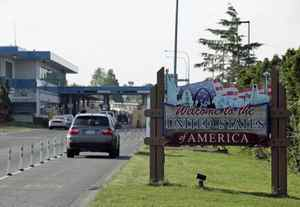 Drivers enter the United States from Canada on June 1, 2009 in Blaine, Wash.