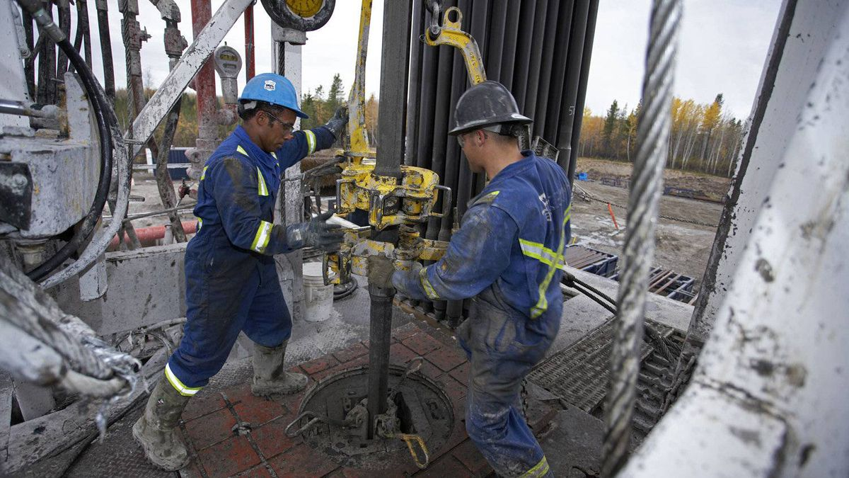 Three of Canada's largest energy companies - Cenovus, Nexen and Encana - will report fourth-quarter results this week, and to keep investors happy, the trio need to do more than chat about strategies to keep costs under control.