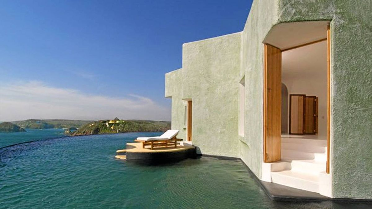 Set between land and marine reserves,guests are free from buzzing planes, Jet Skis and paparazzi.