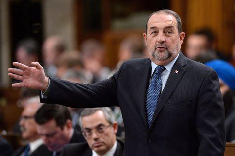 Ottawa halts Montreal's plan to dump sewage into St. Lawrence River