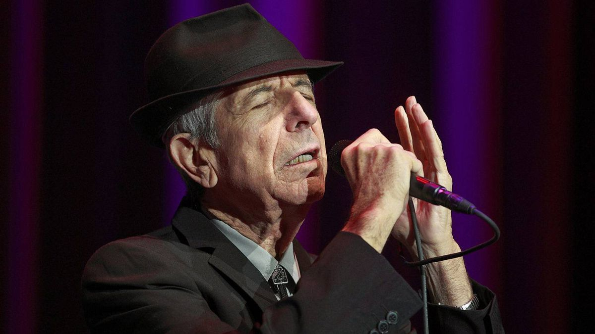 Leonard Cohen performs at Rogers Arena in Vancouver December 2, 2010.