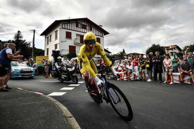 Tour de France 2018: Geraint Thomas rides toward triumph in Paris