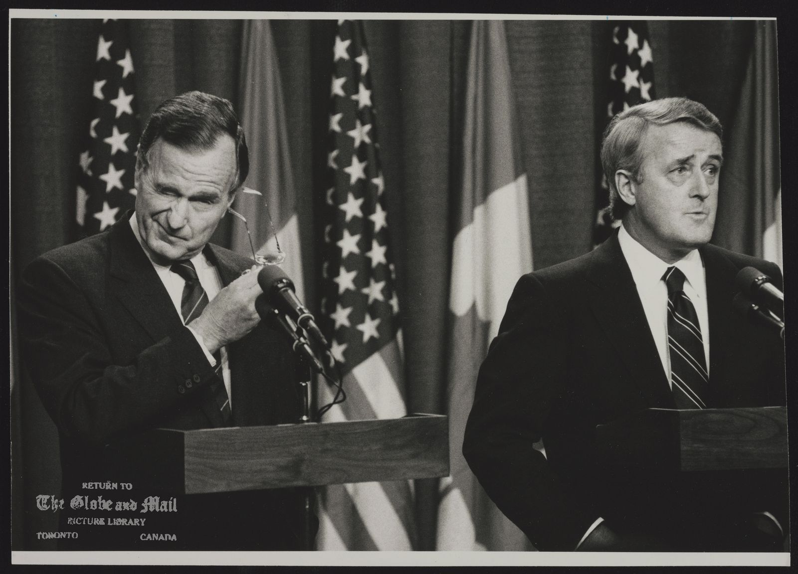 George BUSH Visit ot Canada 1990 U.S.A. Politician [With Brian Mulroney]
