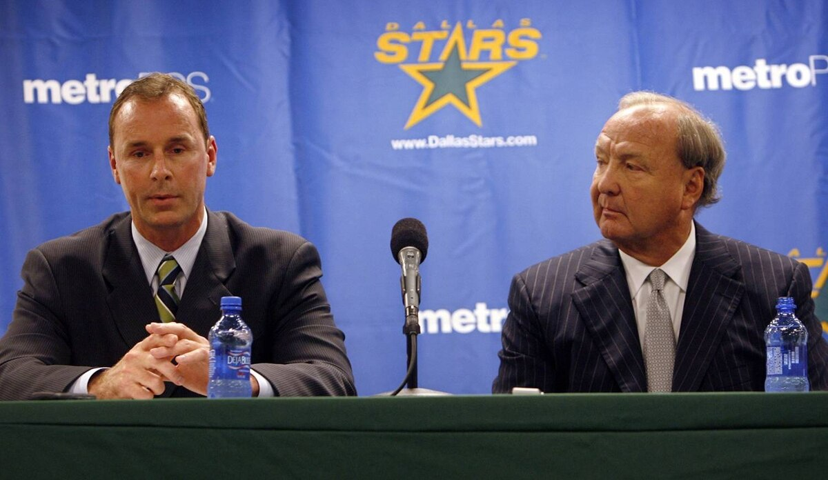 Joe Nieuwendyk, left, addresses the media as Dallas Stars owner Tom Hicks listens during a news conference on June 1.