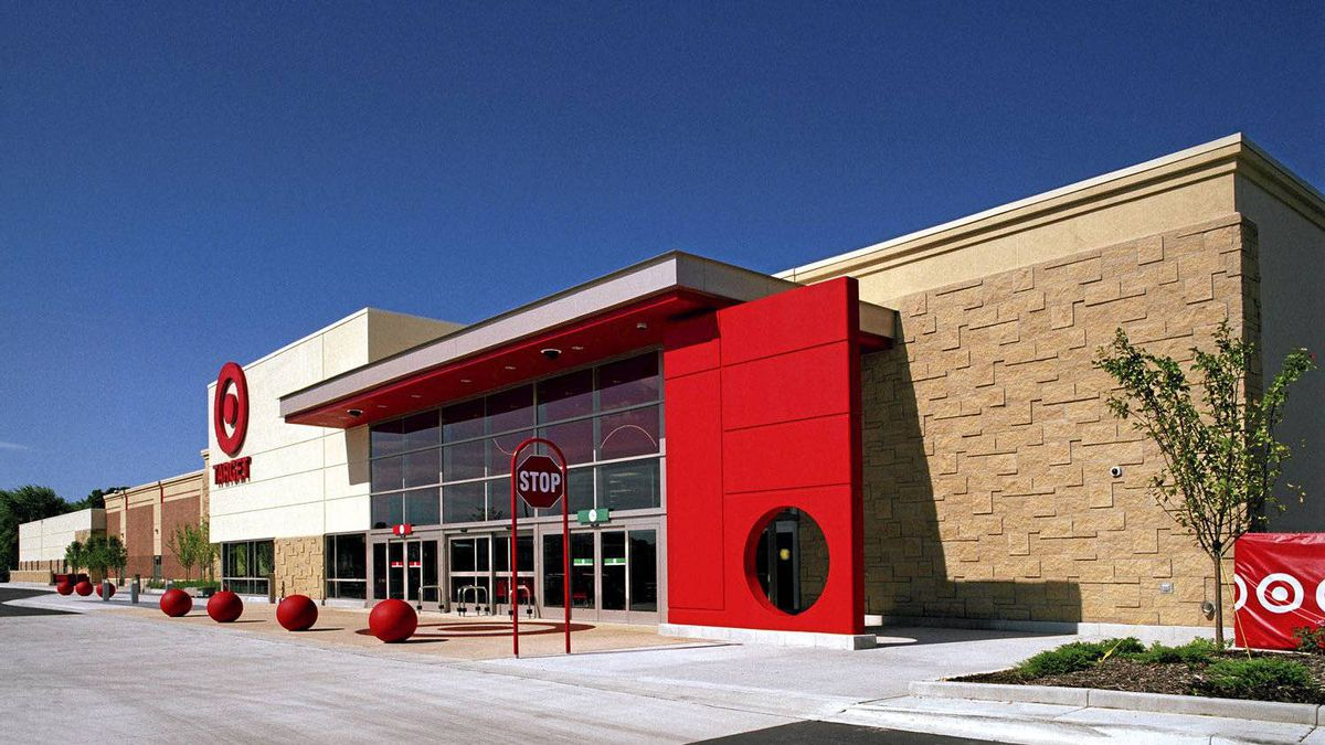 Target Corp. is driving a hard bargain with landlords to get concessions in its bid to convert Zellers locations to Target stores.