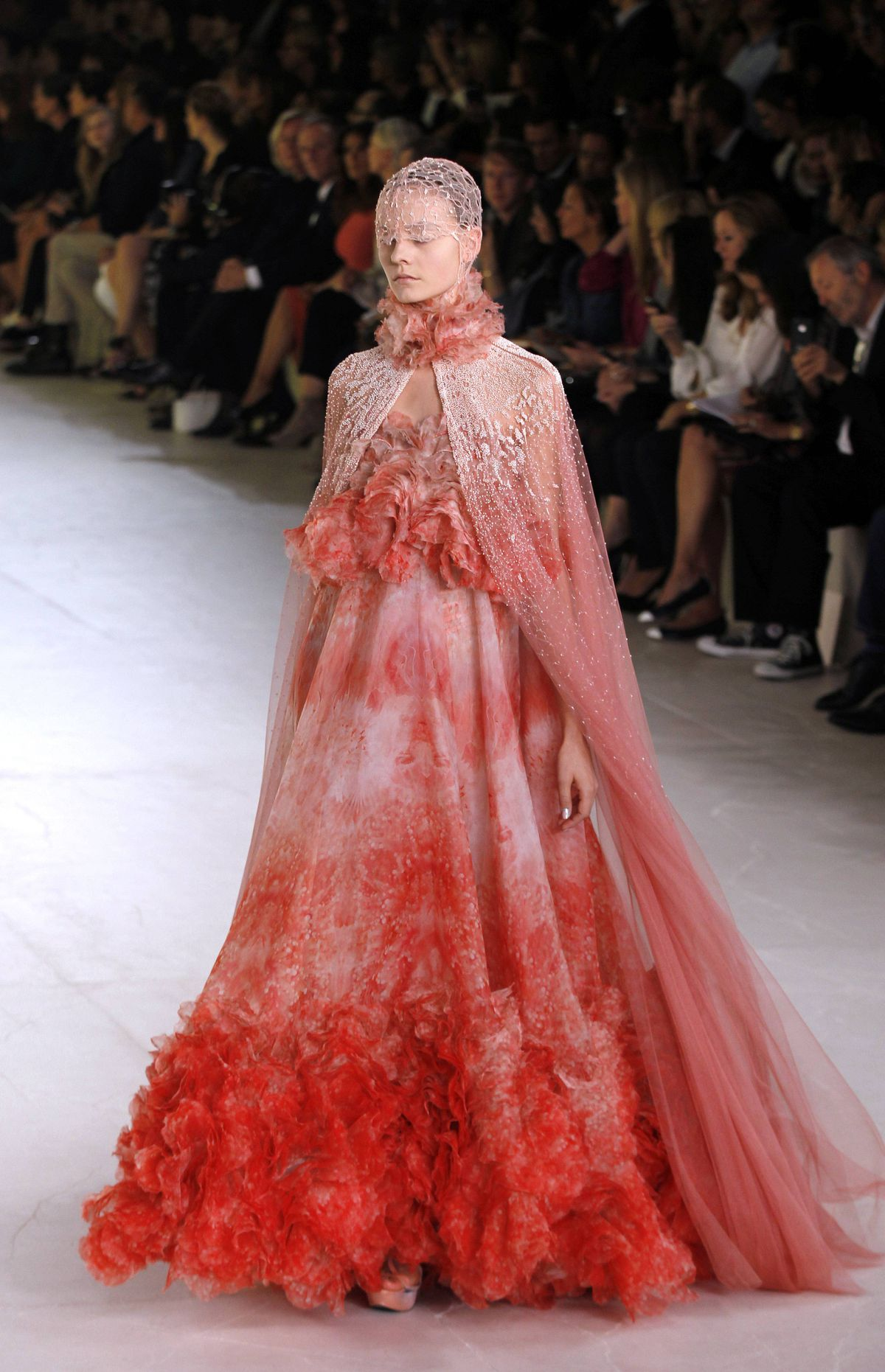 This gown is a museum piece, un-plain and un-simple. Bravo to Burton, start to finish.