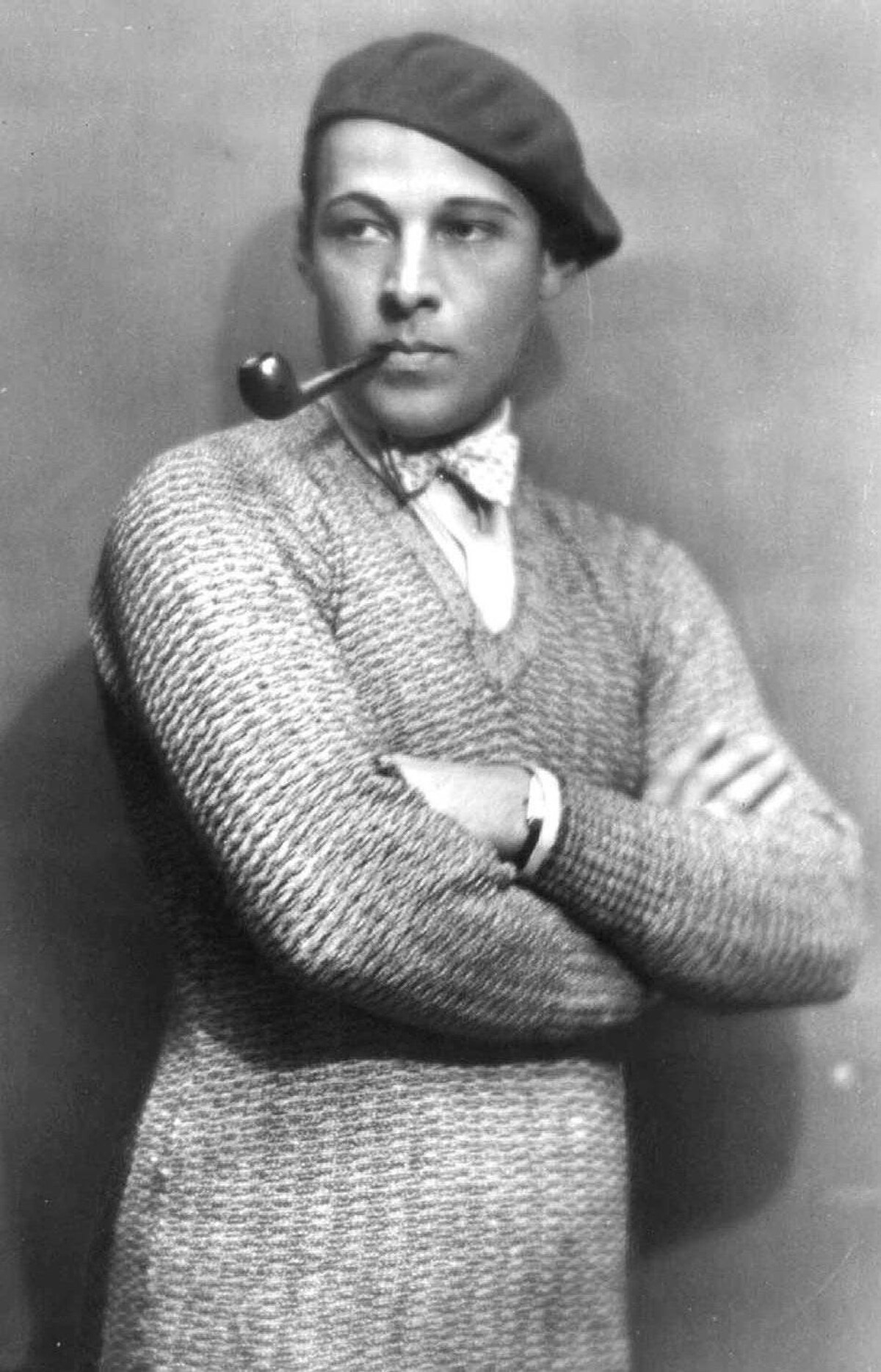 Still on top after close to a century, Rudolph Valentino holds the record for the sortest celebrity marriage. He impetuously married actress Jean Acker in 1919 but never even made it to the nuptial bed. Acker immediately regretted the marriage and refused to let him into their honeymoon suite. The marriage was never consummated, and they eventually divorced in 1921.