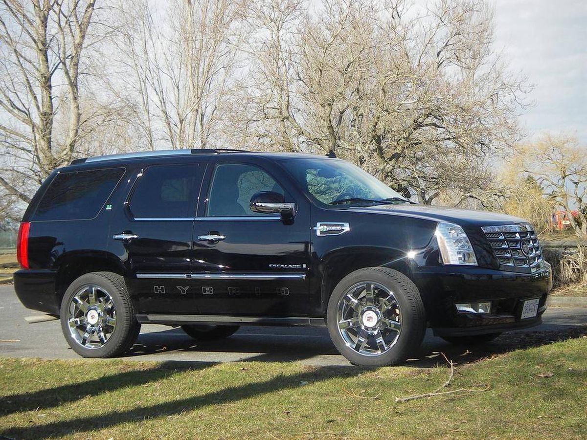 Ing Used Price Of Hybrid Cadillac Escalade Drops By Half