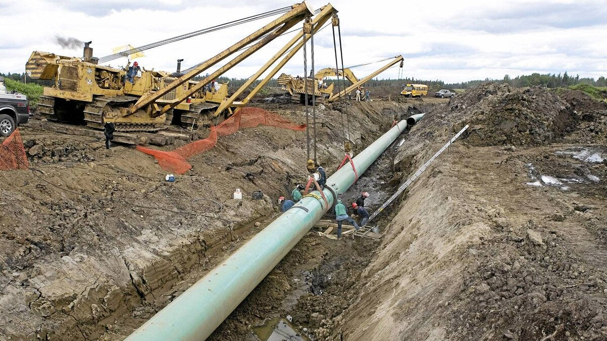 This 2007 photo shows construction near Grassland, Alta. on a pipeline running from Edmonton to the oil sands near Fort McMurray.