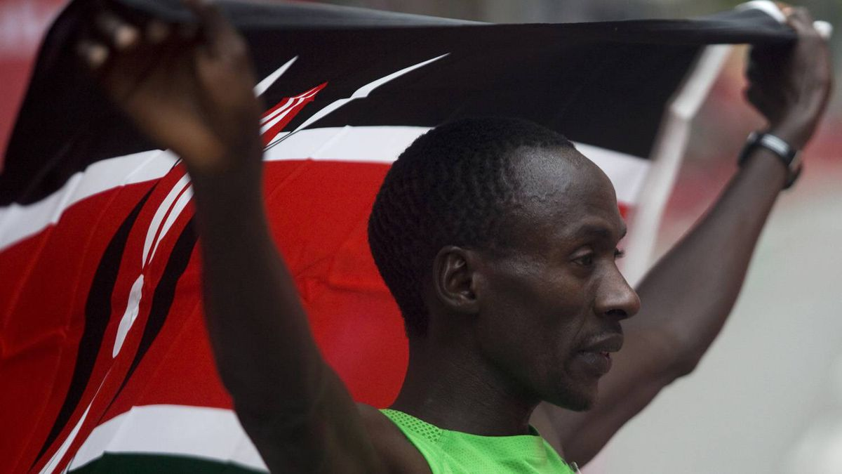 Kenya's Kenneth Mungara won the race for the fourth straight year at the Scotiabank Toronto Waterfront Marathon on October 16, 2011 in downtown Toronto. (Michelle Siu for Globe and Mail)