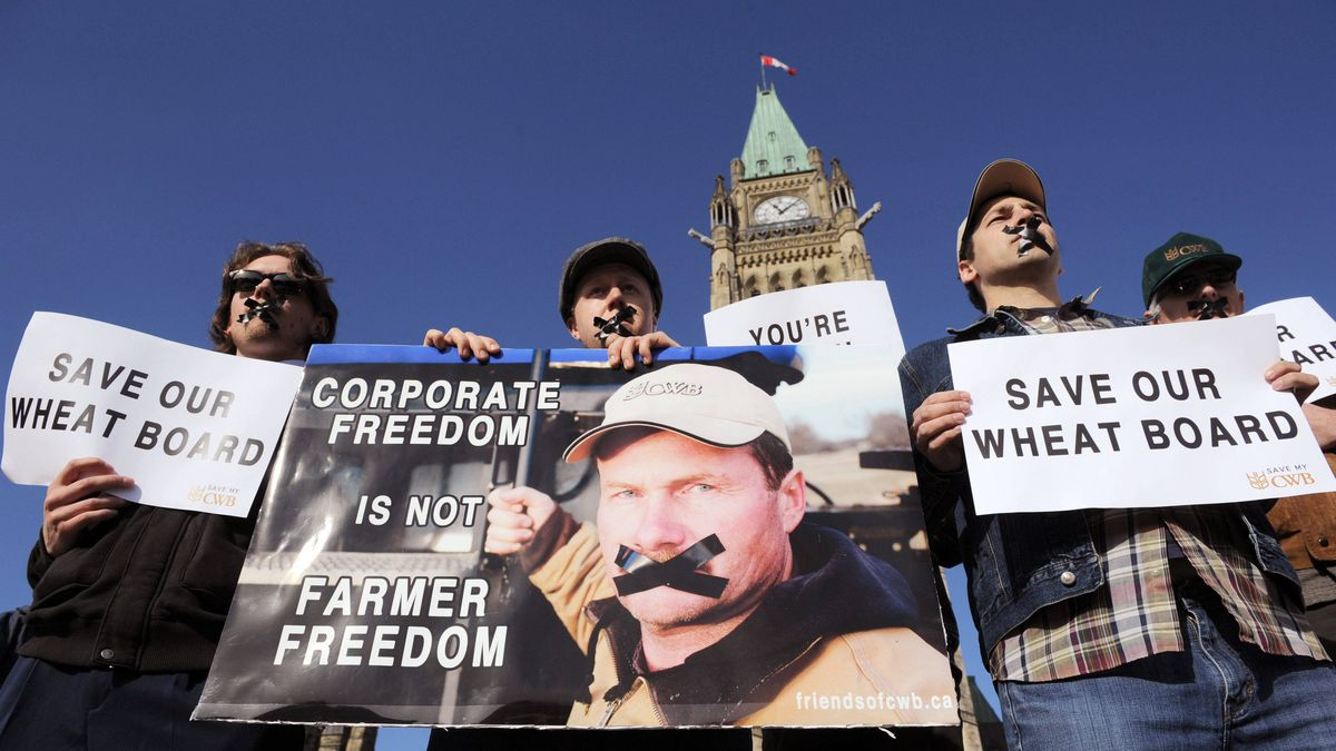 Supporters of the Canadian Wheat Board rally on Parliament Hill in Ottawa on Tuesday.