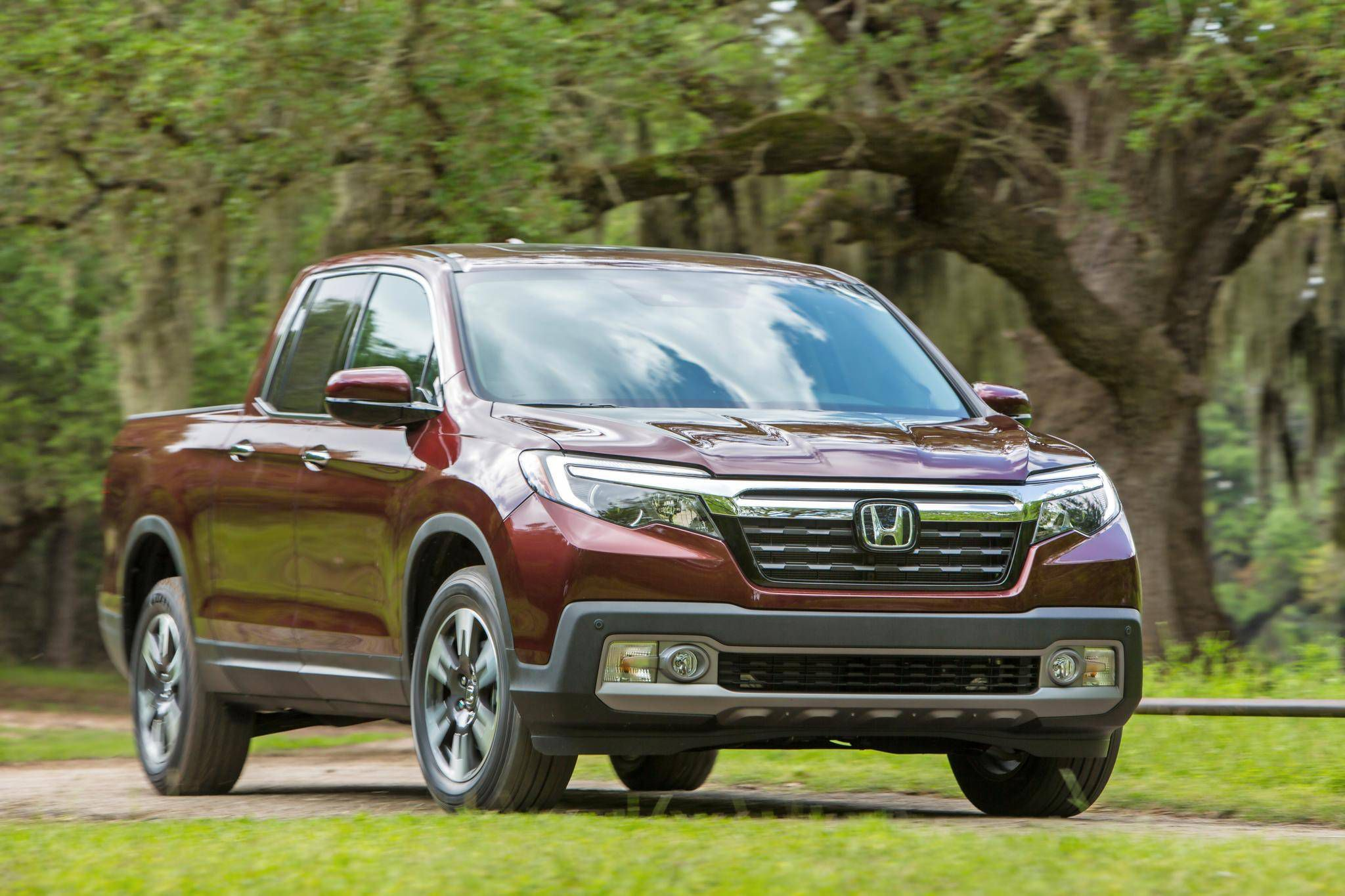 Review 2017 Honda Ridgeline Is King Of The Tailgate Party Boat Towing With Globe And Mail
