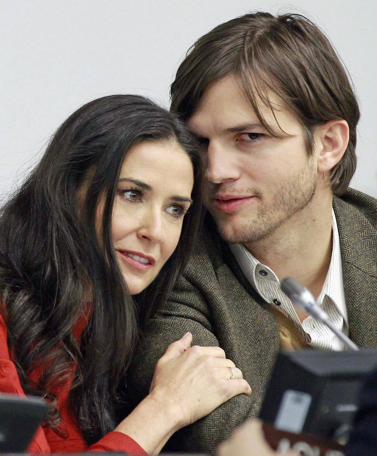 Demi Moore and Ashton Kutcher attend a news conference at the United Nations Headquarters in New York, November 4, 2010.