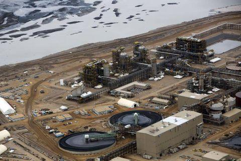 Shell pulls plug on long-delayed Alberta oil sands mine