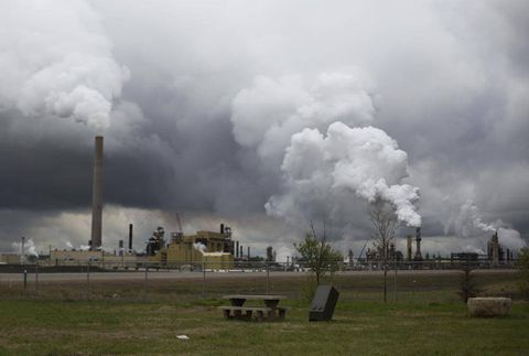 Oil sands stocks: What's driving an unlikely surge