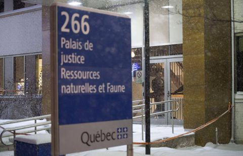 Video shows man shot inside Quebec courthouse after altercation with police