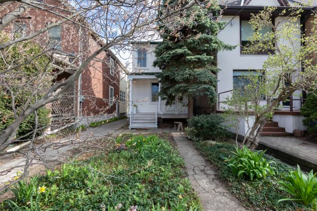 Nearby park and solar power fuels interest in century-old Riverdale home