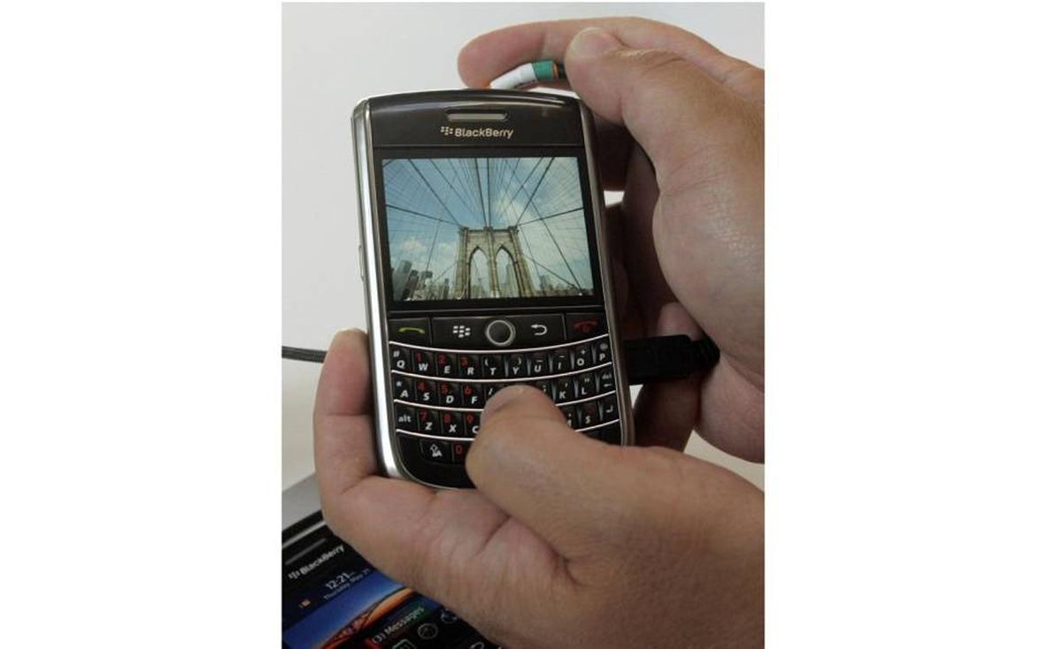 2009 - BlackBerry Tour 9630
