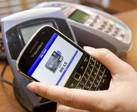 Banks racing to ward off mobile competition from Apple and Google