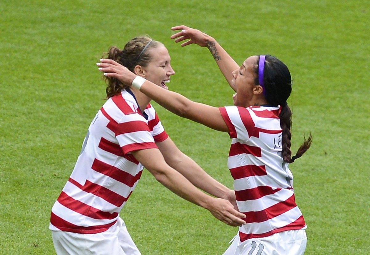 USA's Sydney Leroux (R) celebrates scoring against New Zealand with teammate Heather O'Reilly.