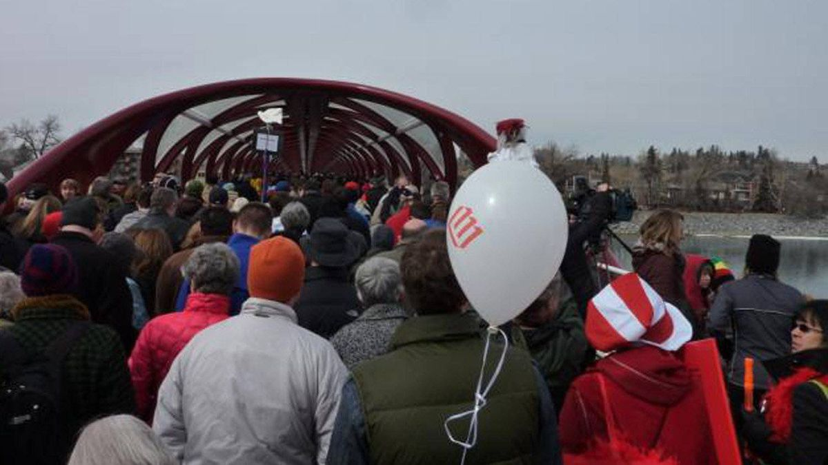 At the opening event, some Calgarians compared the bridge to a Chinese finger trap. 'I love that idea,' Mr. Calatrava's son, Micael, told local media. 'Especially with the Chinese finger traps, some of them have different colours, and this one has a little bit of red and a little bit of white, the white being from the glass.'
