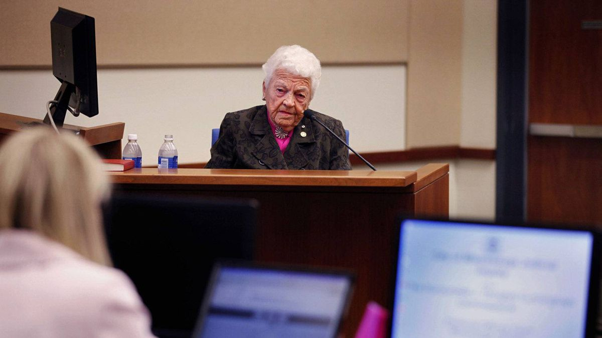 Ms. McCallion prepares to testify Monday Sept. 20, 2010 at the judicial inquiry probing conflict of interest allegations regarding her son's real estate deal with the city.