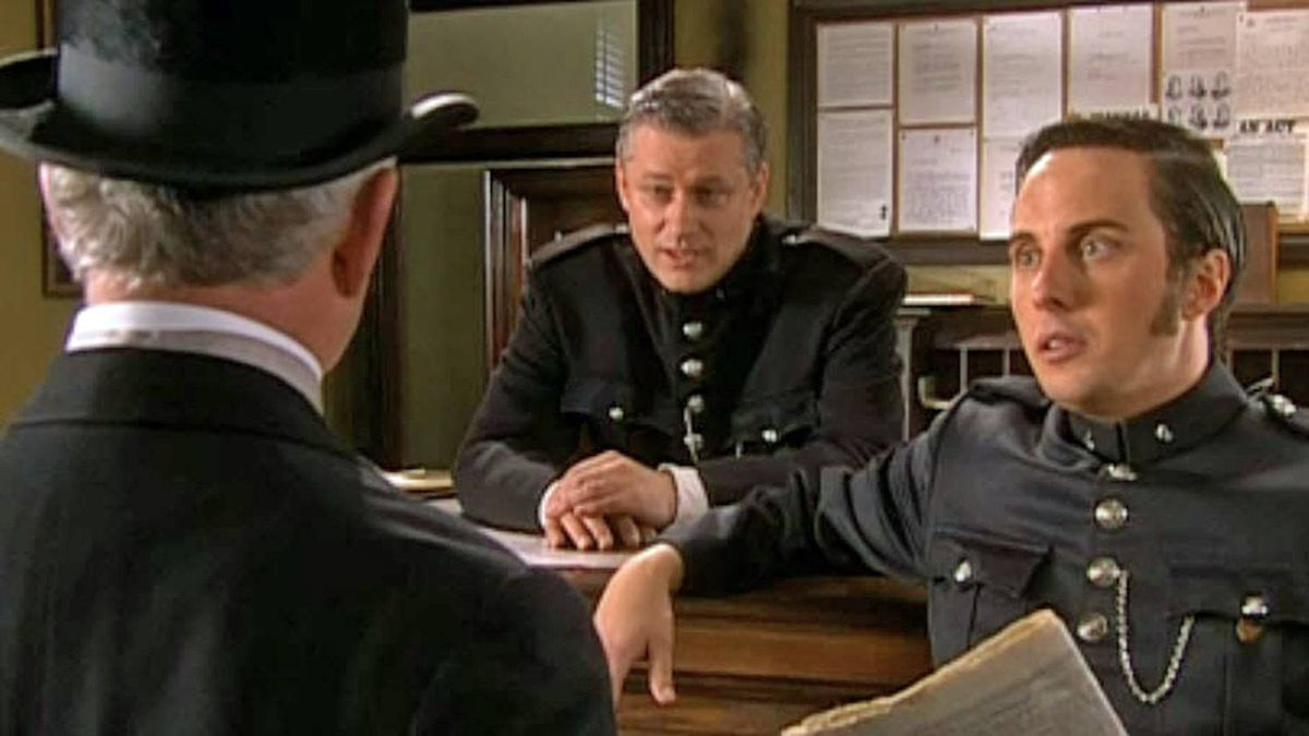Prime Minister Stephen Harper appears as a desk sergeant in an episode of the Victorian-era crime drama Murdoch Mysteries.