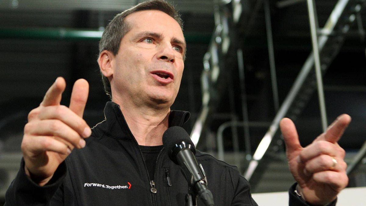 Ontario Liberal Leader Dalton McGuinty, speaks during a campaign stop at St. Clair College in Windsor, Ont., Wednesday, October 5, 2011.