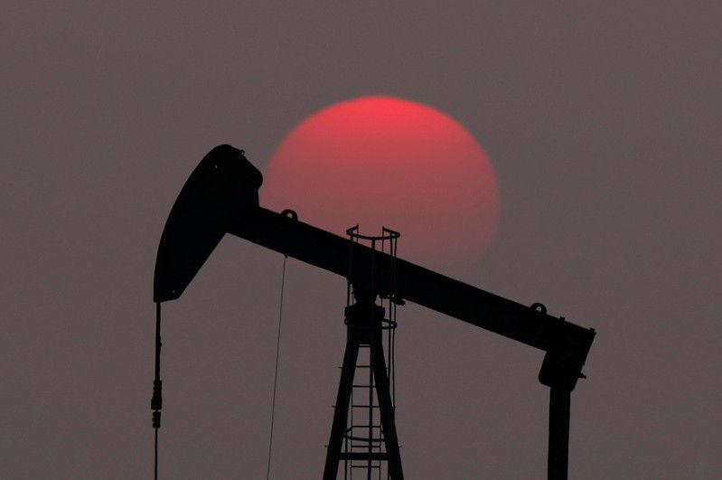 Oil prices dip as markets await Fed steer