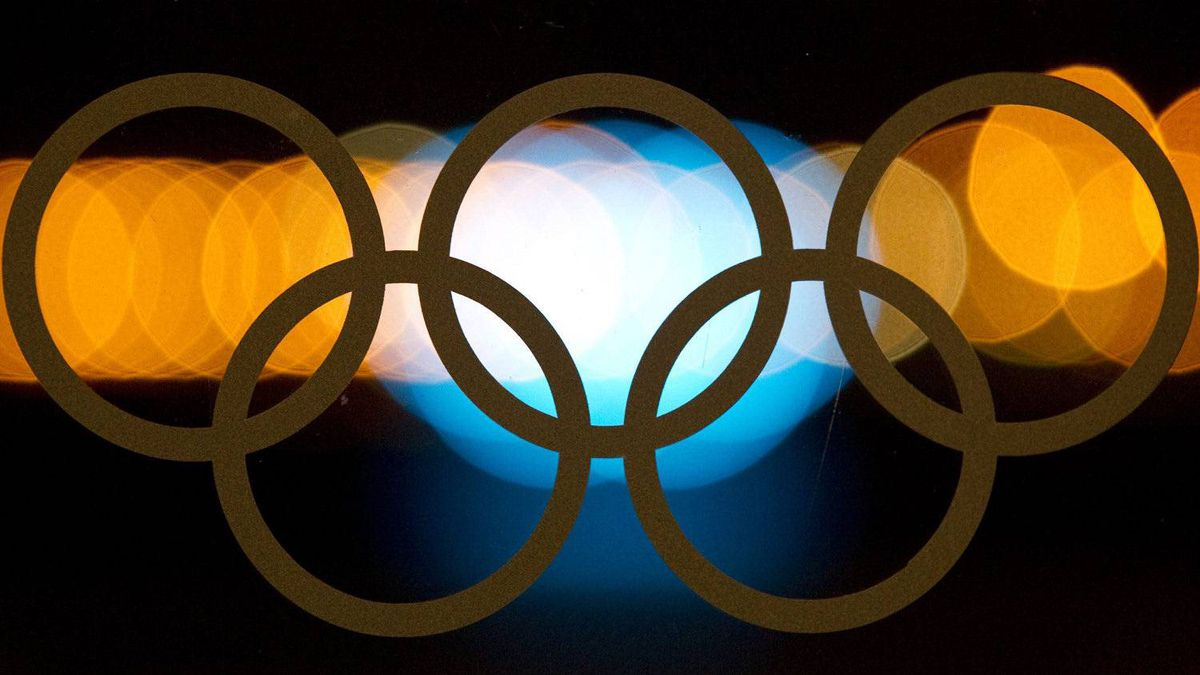 The Olympic rings are illuminated by city lights at the 2010 Winter Olympics in Vancouver, B.C. Monday, Feb. 22, 2010. The IOC is currenlty holding meetings in Quebec City concerning potential hosts for the 2020 Summer Games. FILE PHOTO: THE CANADIAN PRESS/Graeme Roy