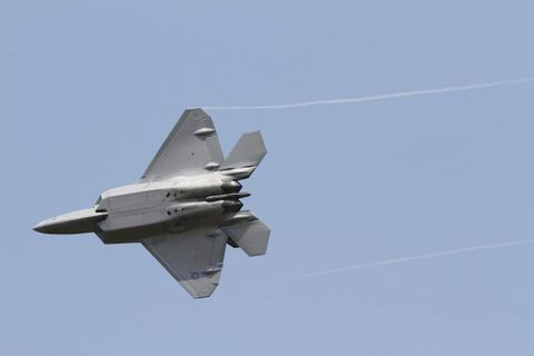 U.S. sends F-22 jets to join South Korea drills amid threats from North