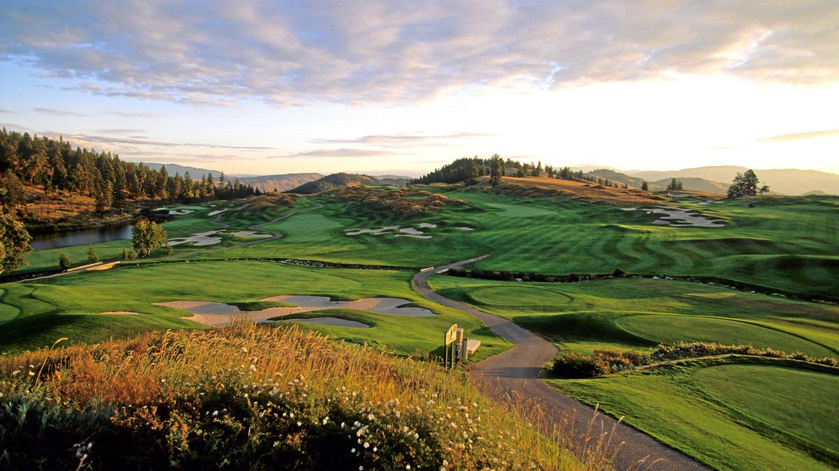 The Okanagan Valley offers an autumn golf season of striking visual contrasts. The valley's top draw is Predator Ridge Golf Resort, which sprawls across a landscape of clear lakes, mountain streams and wheatgrass meadows.
