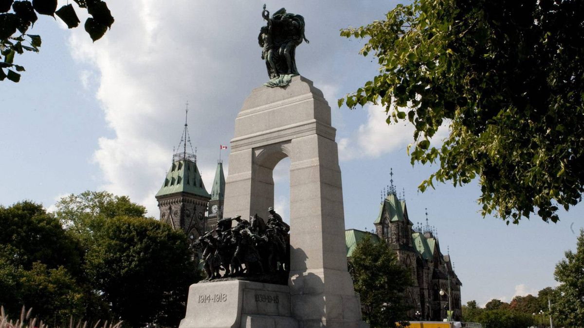 A Defence department proposal to revamp the National War Memorial in Ottawa, pictured on Monday September 12, 2011, to honour Canadians who fought in Afghanistan has been shelved without consideration by the Harper government.
