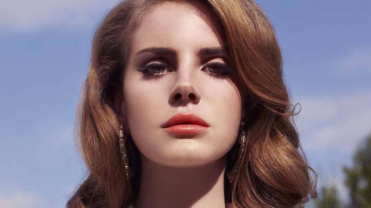 """Lana Del Rey's polished retro image on the cover of """"Born to Die"""""""