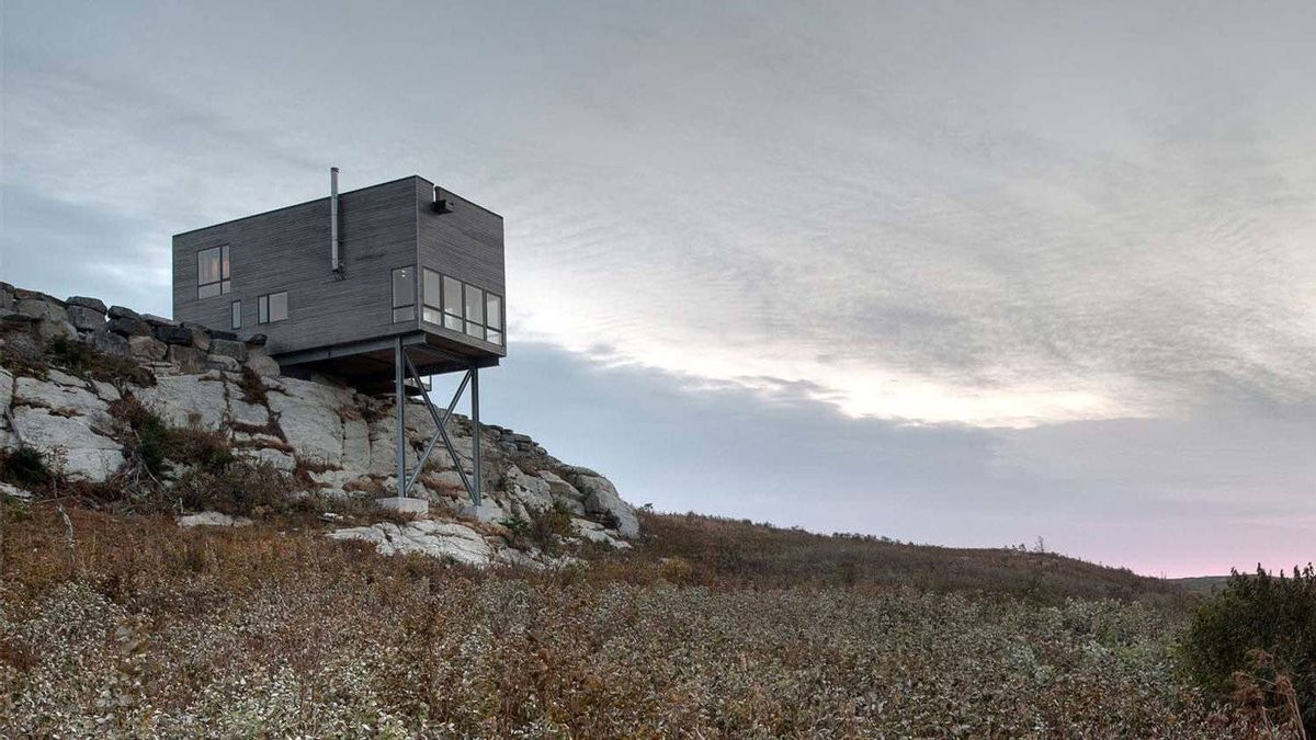 Cliff House in Nova Scotia; MacKay-Lyons Sweetapple Architects