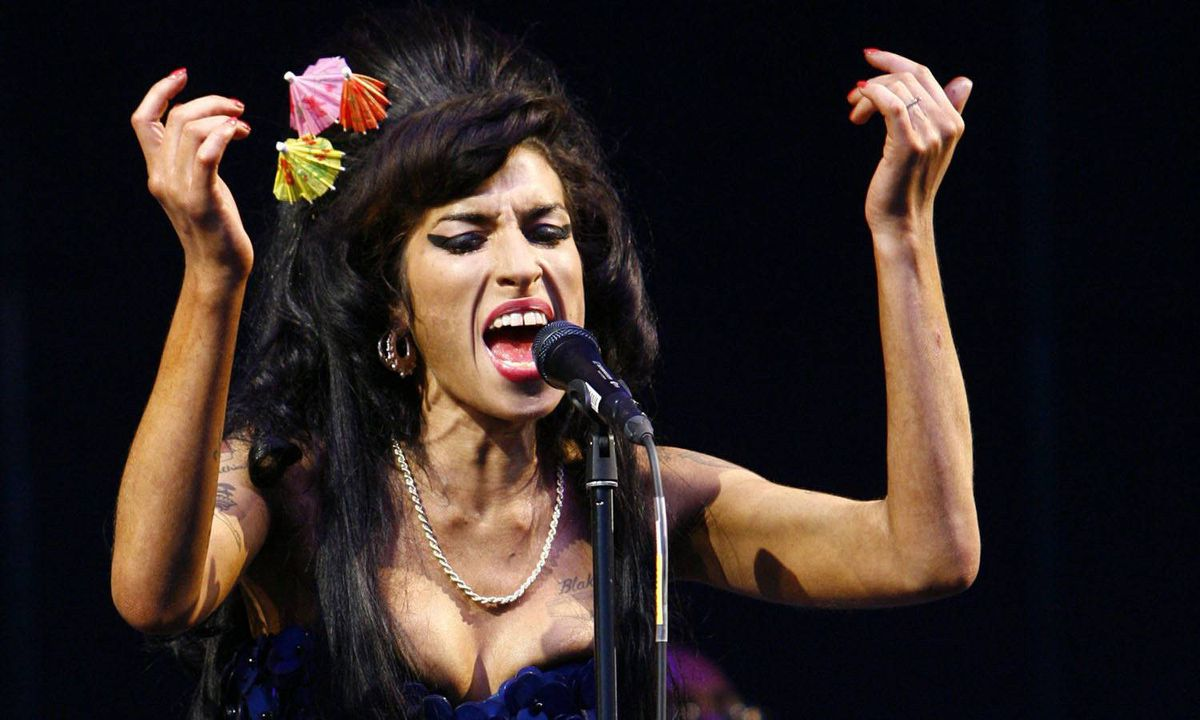 Amy Winehouse sings at the Glastonbury Festival 2008 in Somerset, England, on June 28, 2008.