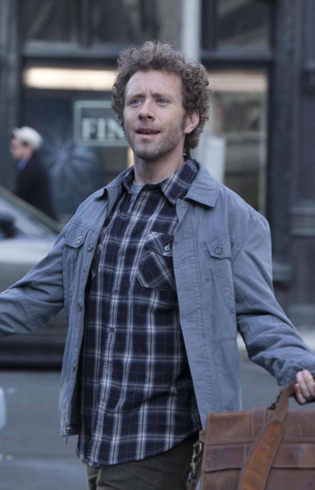 DRAMA The Finder Fox, Global, 9 p.m. ET/PT Since this midseason series is a spinoff from Bones, it was only a matter of time before some characters made the cross-over. In tonight's new episode, the regular Bones character of quirky Dr. Jack Hodgins (TJ Thyne) makes available his talents to professional finder-guy Walter (Geoff Stults), who is desperately trying to find signs of extraterrestrial activity. Hey, wasn't this a storyline on The X-Files once?