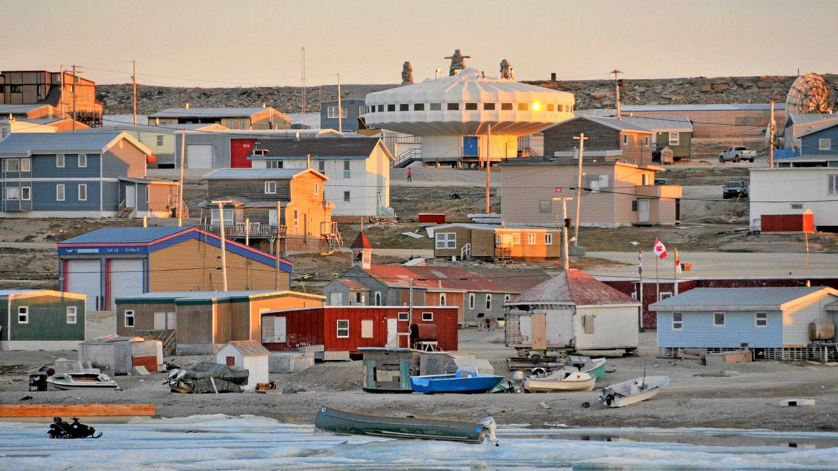 Igloolik, home to artists, an Inuit circus troupe and the Rockin' Walrus Festival, is Nunavut's arts capital.