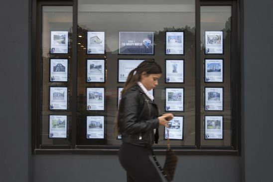 Toronto real estate buyers: cautious at the high end, voracious at the lower end