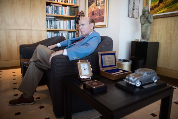Billionaire Jim Pattison says he isn't budging from $16-a-share offer for Canfor