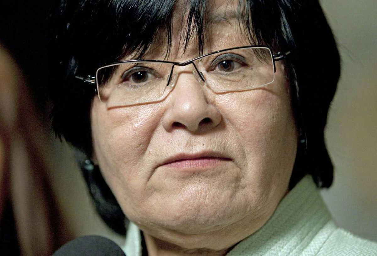 International Co-operation Minister Bev Oda announces the government's opposition to a Liberal maternal-health motion on March 23, 2010, in the foyer of the House of Commons.