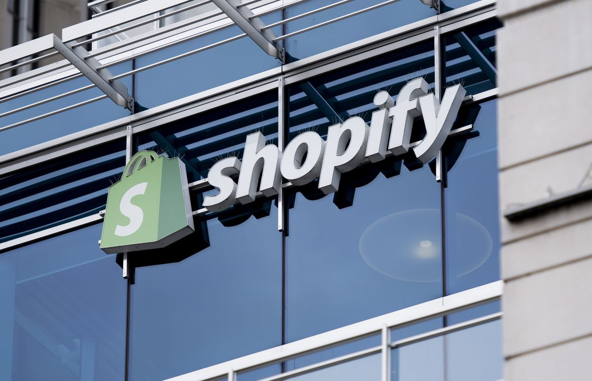 Shopify buys warehouse robotics company 6 River Systems for