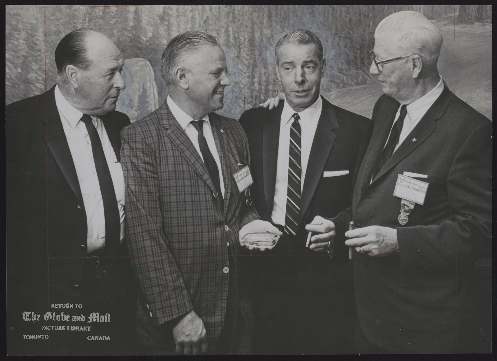 Joe DiMAGGIO Baseball Talk was about baseball when this group of former stars got together at the Eagels luncheon yesterday at the RY Hotel. From left: Lefty O'Doul, Eric Tipton, Joe DiMaggio and Lefty Grove.