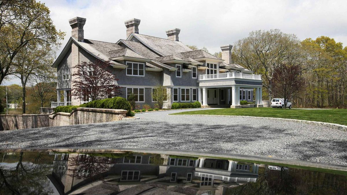A house in the Hamptons that was on sale recently for $39-million.